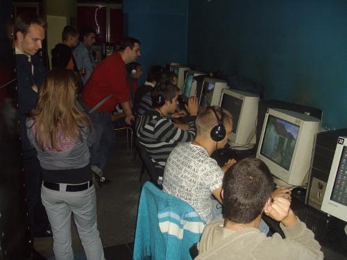 Отборът на HSBG е втори на Counter Strike турнир в Атина