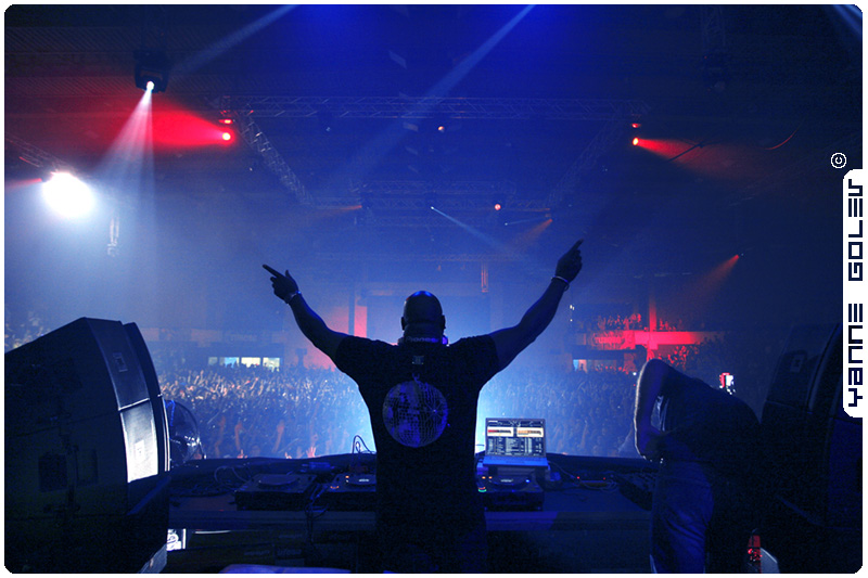 Metropolis12YearswithCarlCox19April[1]